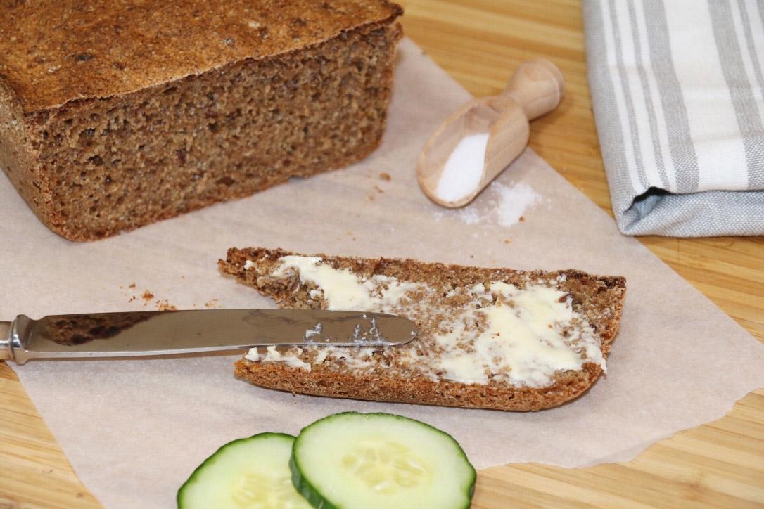Dinkel-Malz-Chia-Brot
