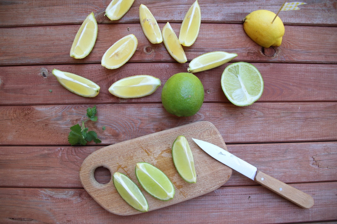 Zitronenmelisse Sirup selber machen – Rezept