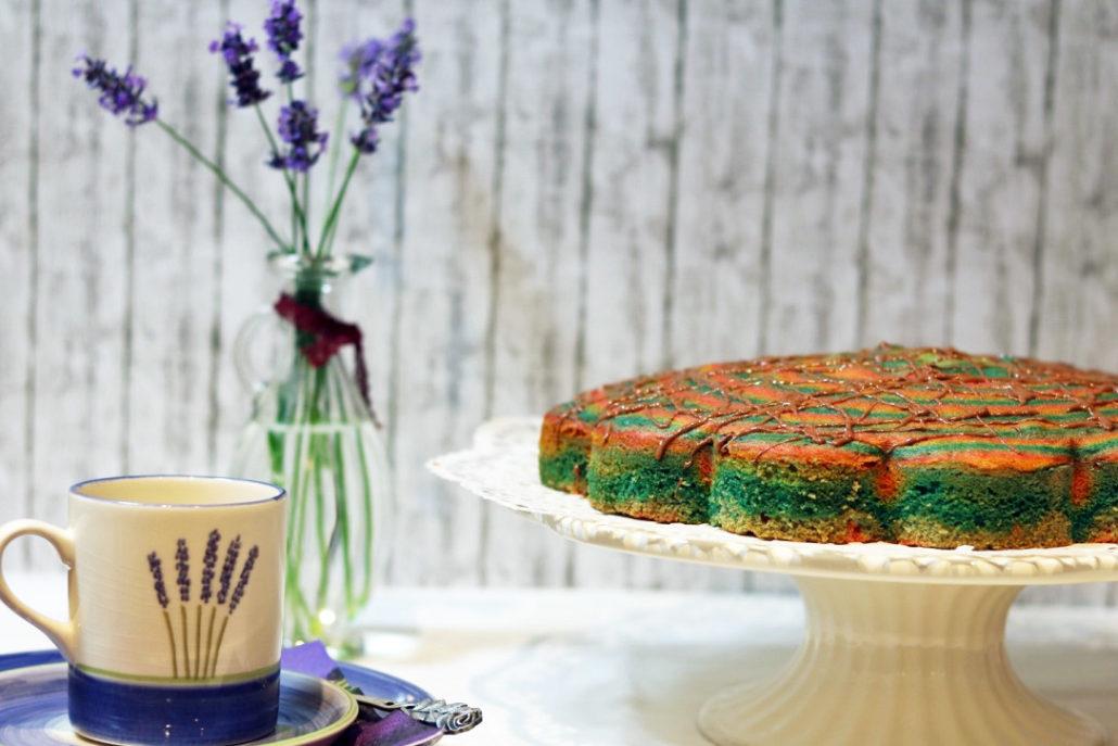 Schneller Regenbogenkuchen – kindergartentauglich