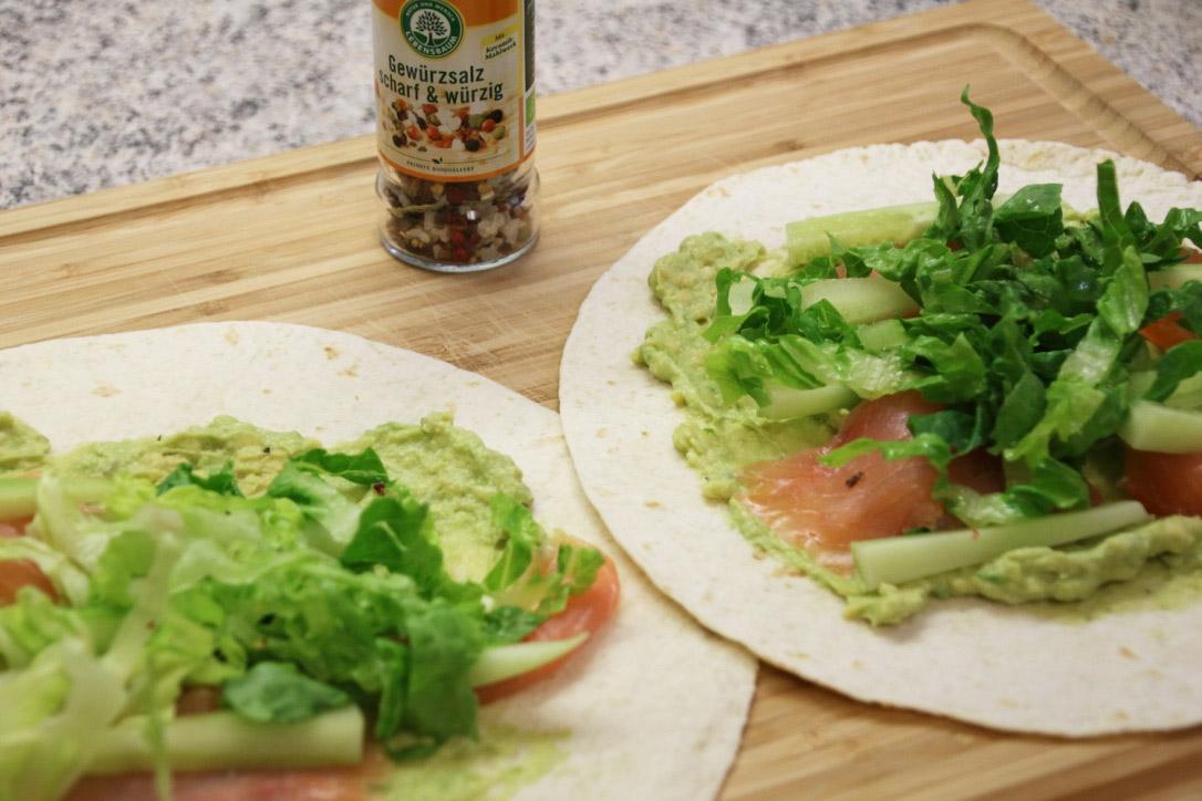 Wrap mit Avocado und Lachs