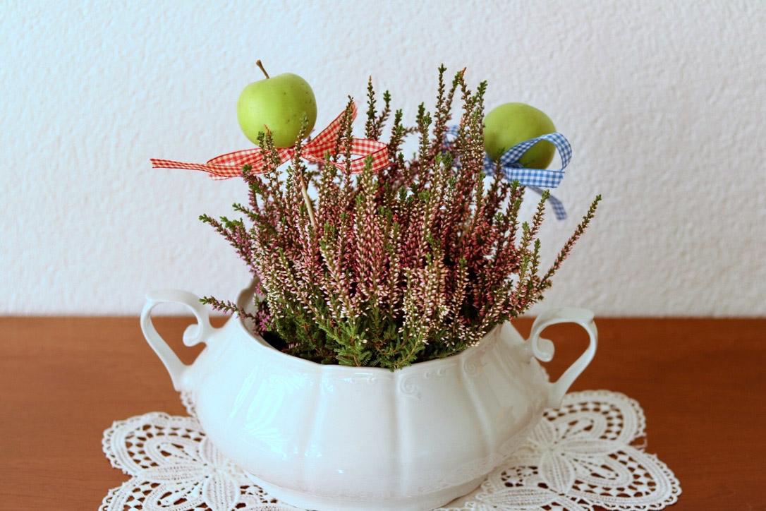 Herbstdeko aus der natur tagaustagein - Herbstdeko mit erika ...