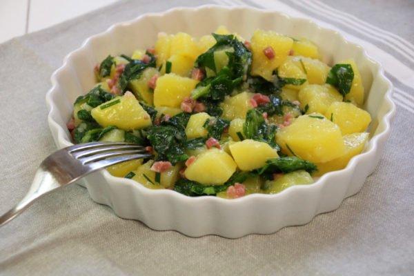 Rezept für Kartoffelsalat mit frischem Spinat, mit ganzen Pellkartoffeln, Kartoffel-Spinat-Salat aus dem Thermomix, leckeres Salatrezept