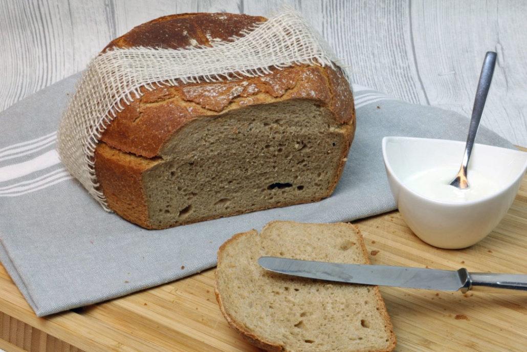Rezept für ein schnelles Joghurtbrot, Brot mit Joghurt, Joghurtbrot mit Dinkelmehl, Joghurtbrot Thermomix, Joghurt Brot backen