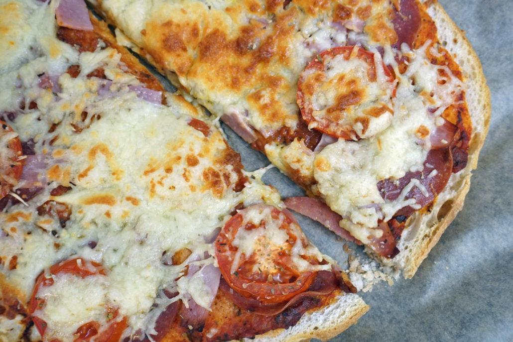 Fladenbrotpizza schnelles Rezept