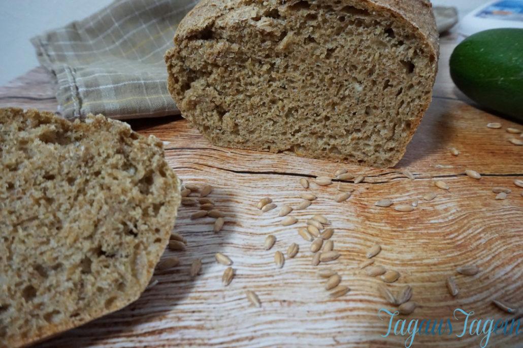 Dinkel-Zucchini-Brot mit Feta