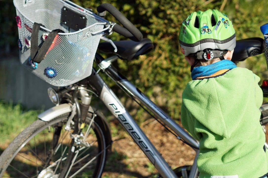Fahrrad fahren mit Kind