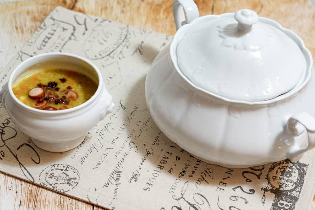 Suppe Kartoffelsuppe Kartoffelsuppe mir Würstchen