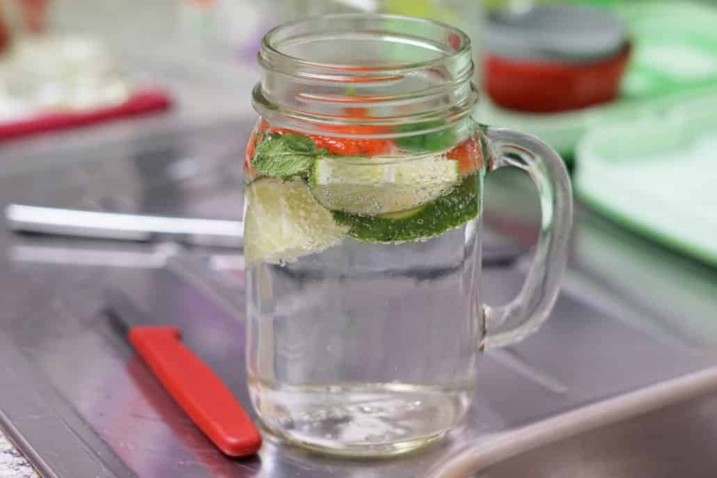 12-von-12-Alltagshaeppchen-Detox-Wasser
