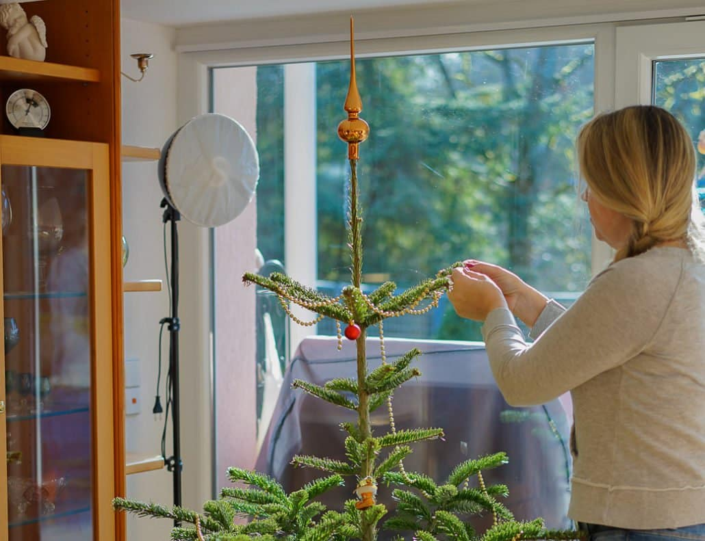 Weihnachtsbaum abschmücken
