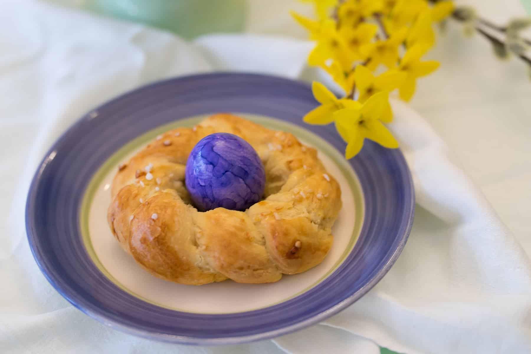 Ostern - Eier - Eierbecher - Hefekranz