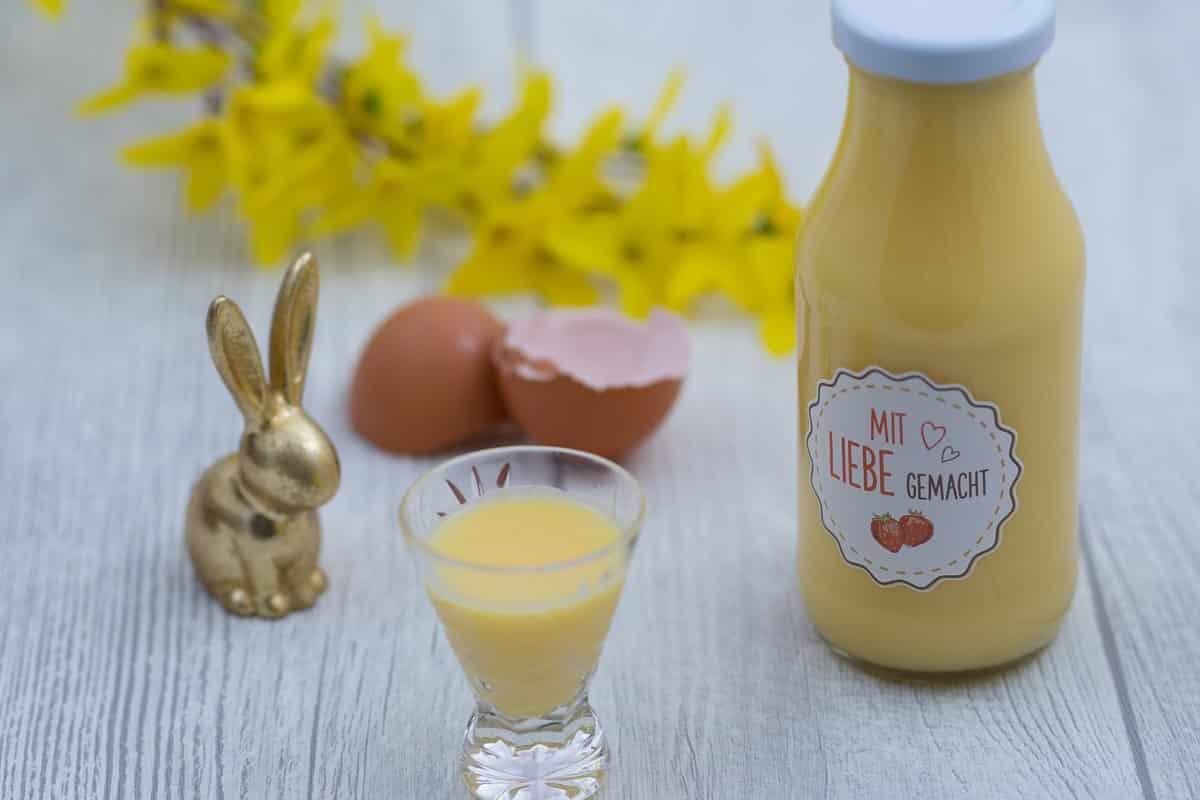 Ei, Ei, Ei – Rezept für Eierlikör und Anregungen, was man aus ausgeblasenen Eiern alles machen kann