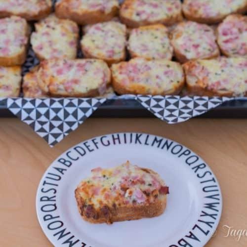 pizzabroetchen_mit_schmand-schwaebische_pizza-schnelles_fingerfood