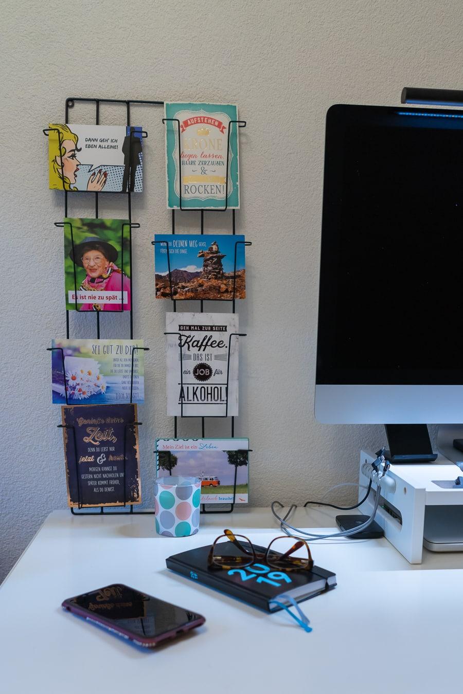 Arbeitszimmer mit Kartenhalter