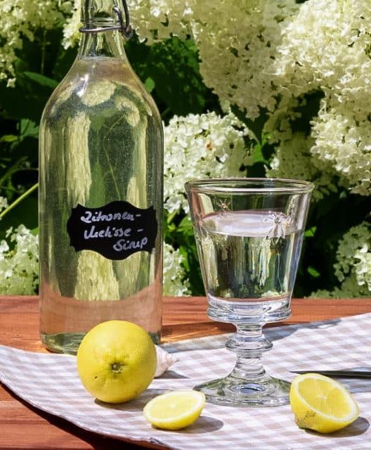 Zitronenmelissesirup selber machen – Rezept