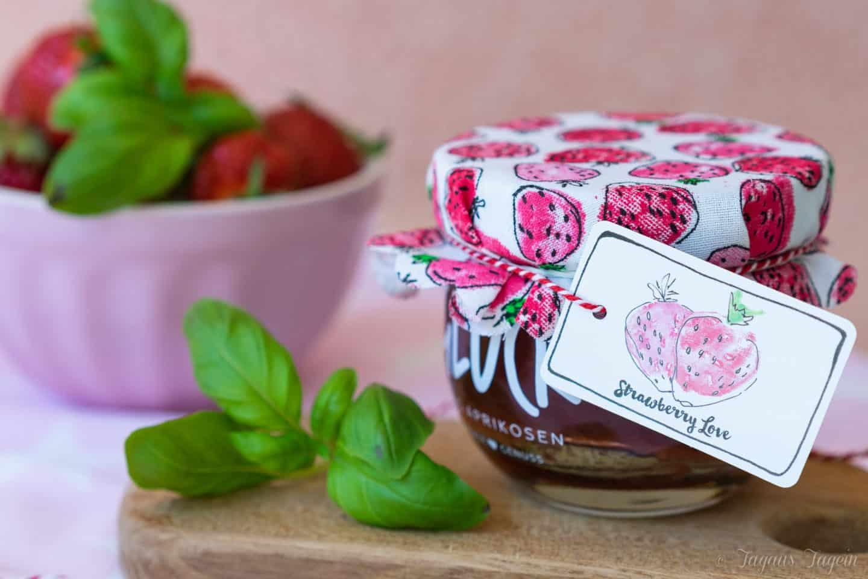 Erdbeerkonfitüre mit Basilikum