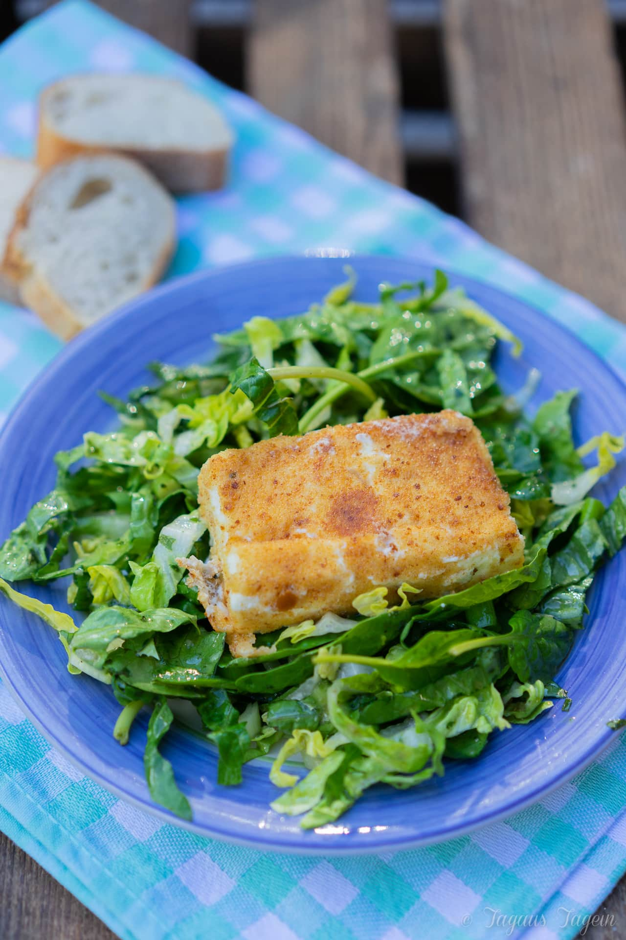 Ich pimp meinen Salat – mit paniertem Feta